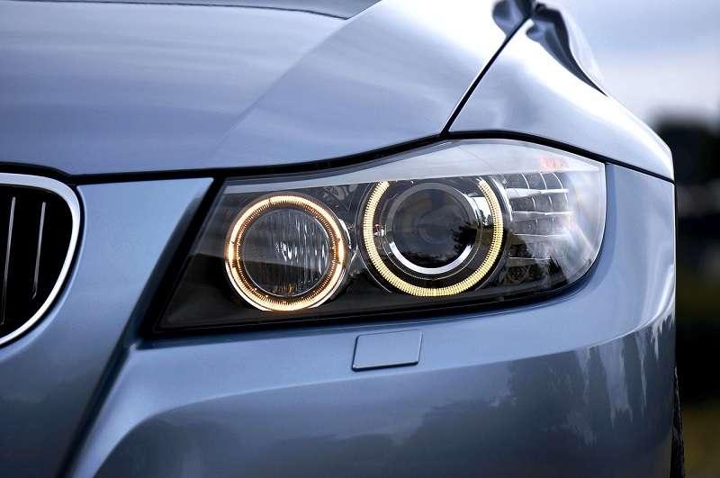 Halogénové svetlomety v automobiloch
