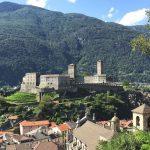 Švajčiari v referende odmietli zrušiť voľný pohyb s EÚ, odsúhlasili nákup stíhačiek