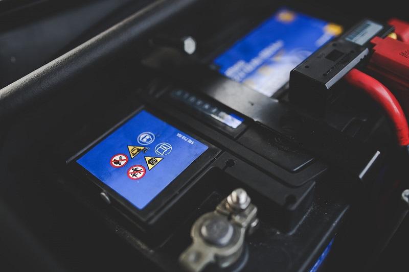 Autobatéria zvyčajne vydrží 3 až 5 rokov