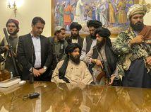 USA zmiernili sankcie voči Afganistanu, aby umožnili prísun humanitárnej pomoci