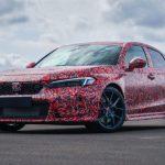 Honda mierne odhalila nový Civic Type-R.